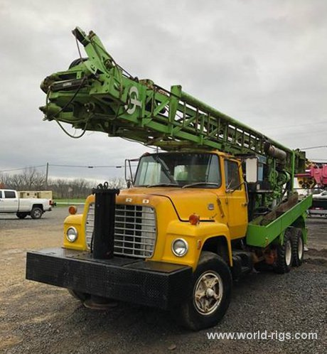 Chicago Pneumatic 650 Drilling Rig for Sale